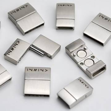 stainless steel magnetic clasp matte